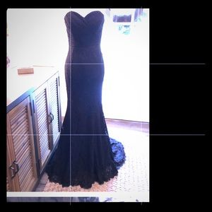 Beautiful strapless black lace long evening gown